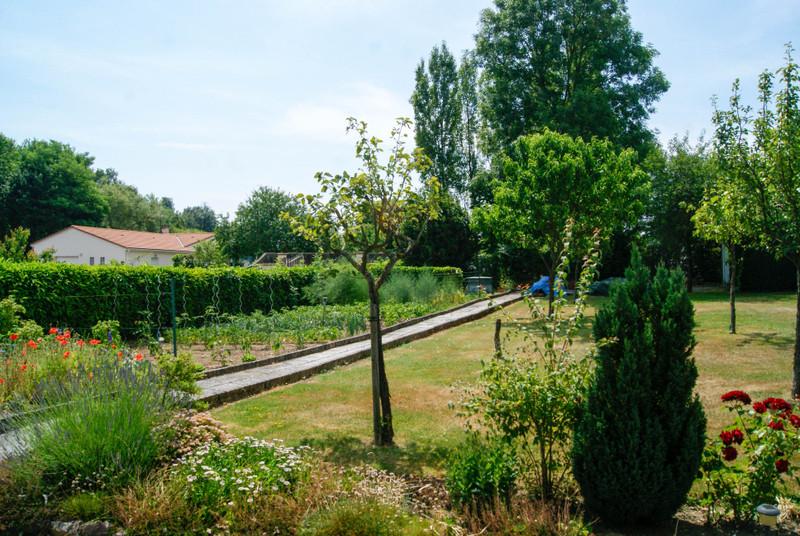 French property for sale in Boismé, Deux-Sèvres - €147,150 - photo 3