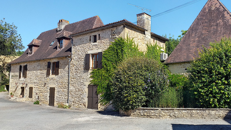 French property for sale in Veyrines-de-Domme, Dordogne - €395,000 - photo 2