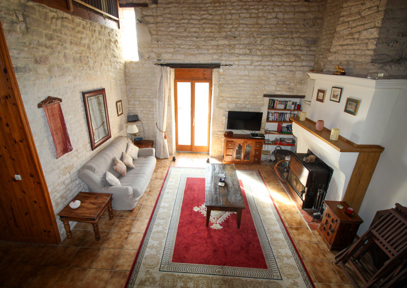 French property for sale in Fontaine-Chalendray, Charente-Maritime - €119,900 - photo 3