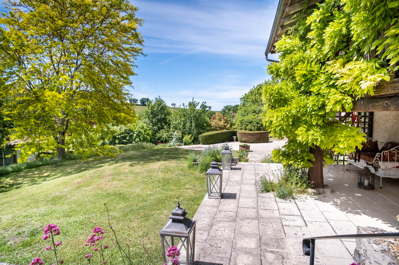 French property for sale in Coutures, Dordogne - €530,000 - photo 2