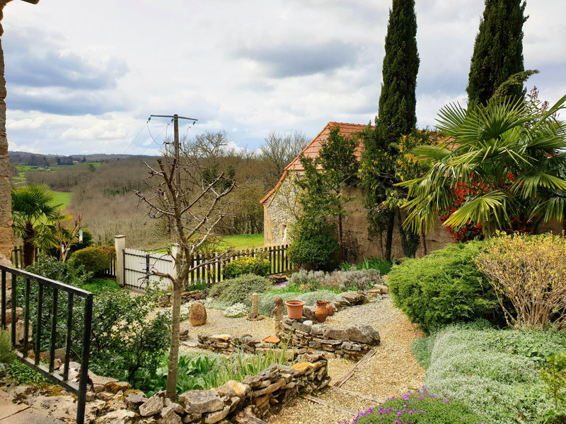 French property for sale in Hautefort, Dordogne - €158,000 - photo 2
