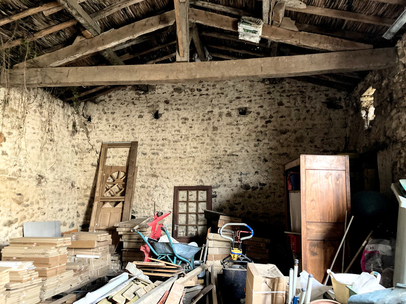 French property for sale in Reffannes, Deux-Sèvres - €43,000 - photo 2