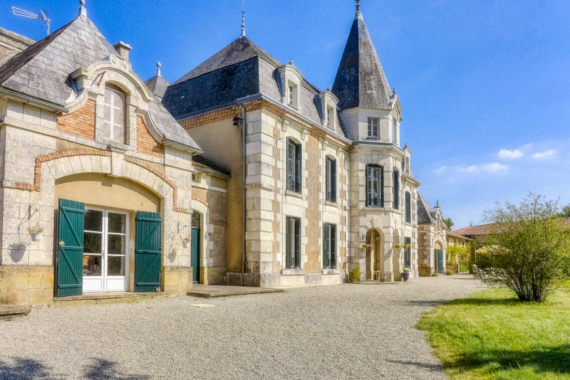 French property for sale in Pressac, Vienne - €844,995 - photo 10