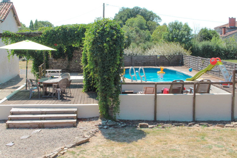 French property for sale in La Chapelle-Thireuil, Deux Sevres - €189,999 - photo 8
