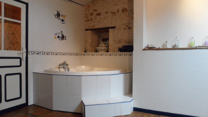 French property for sale in Brux, Vienne - €249,999 - photo 9