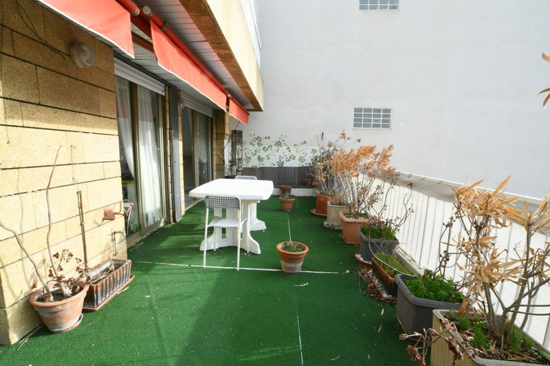 French property for sale in Nice, Alpes-Maritimes - €230,000 - photo 2