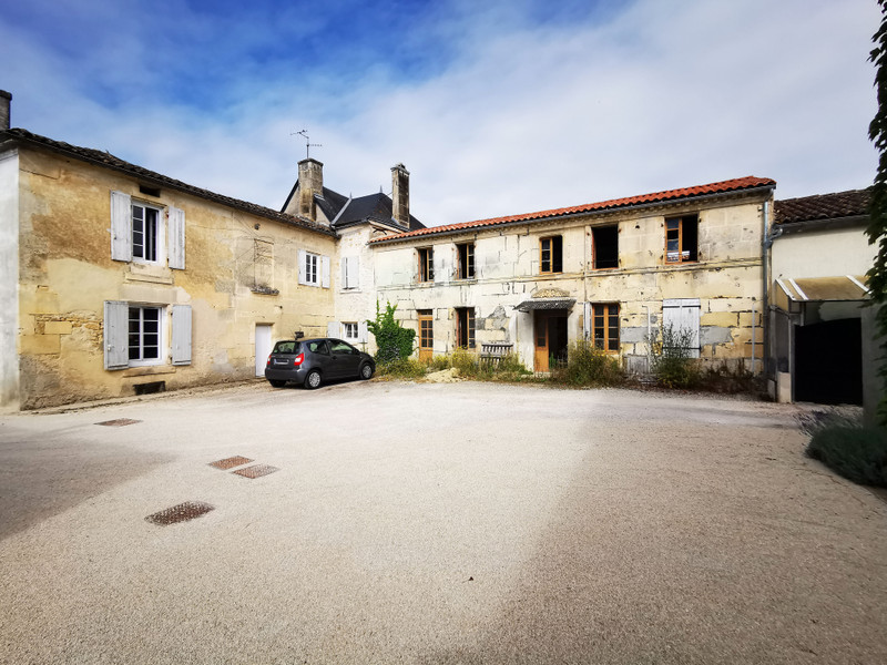 French property for sale in Cherves-Richemont, Charente - €65,600 - photo 2