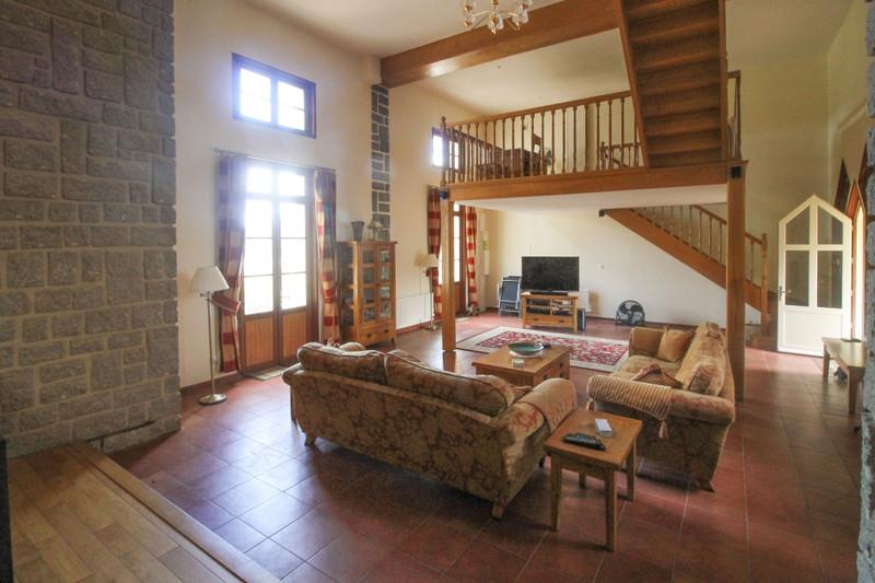French property for sale in Vouvant, Vendée - €371,000 - photo 3