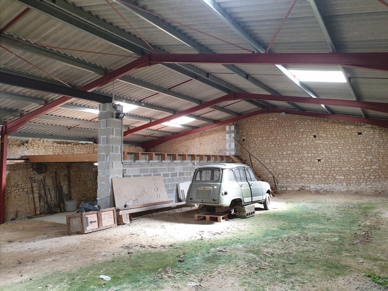 French property for sale in Saint-Maigrin, Charente-Maritime - €299,600 - photo 7