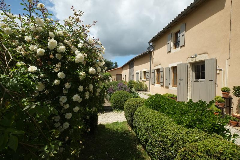 French property for sale in La Chapelle-Pouilloux, Deux-Sèvres - €294,250 - photo 10