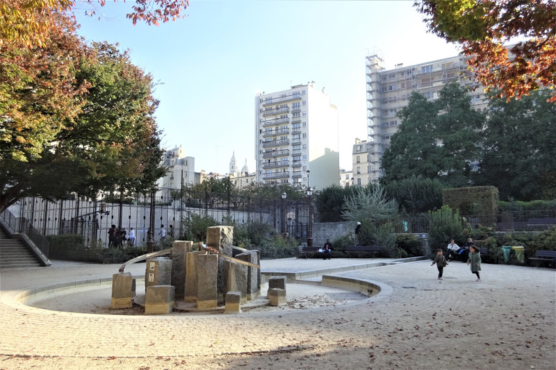 French property for sale in Paris 18e Arrondissement, Paris - €1,195,000 - photo 4