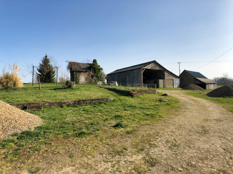 French property for sale in Fougerolles-du-Plessis, Mayenne - €183,600 - photo 2