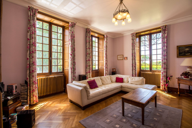 French property for sale in Fléac, Charente - €1,365,000 - photo 4