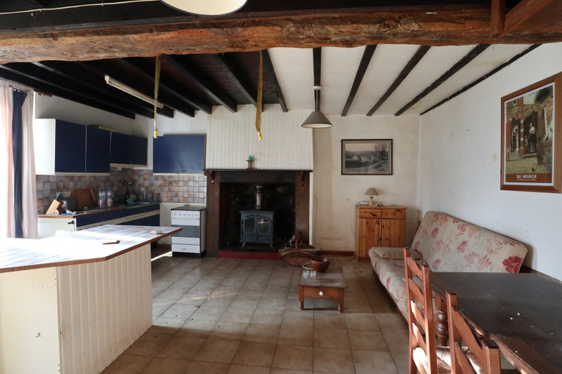 French property for sale in Saint-Cyr-du-Bailleul, Manche - €82,500 - photo 5
