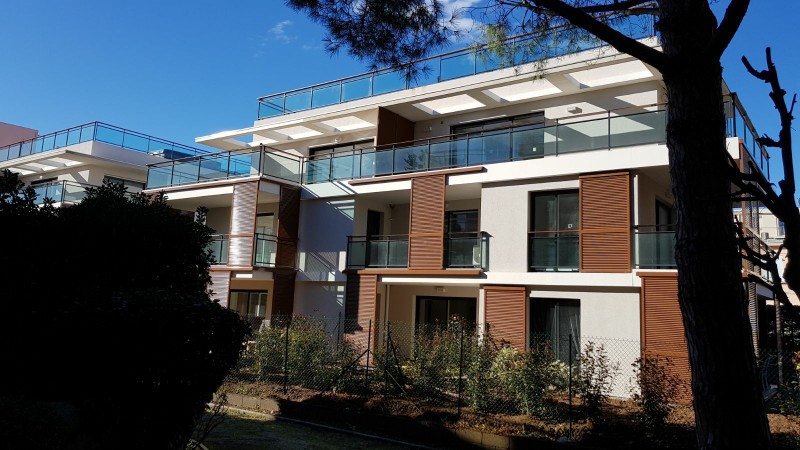French property for sale in JUAN LES PINS, Alpes Maritimes - €374,000 - photo 2