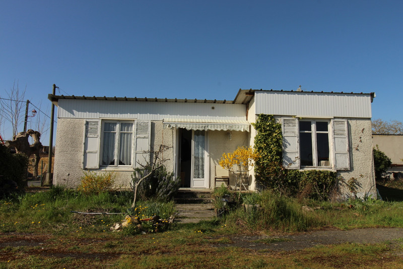 French property for sale in Moncontour, Vienne - €34,600 - photo 3