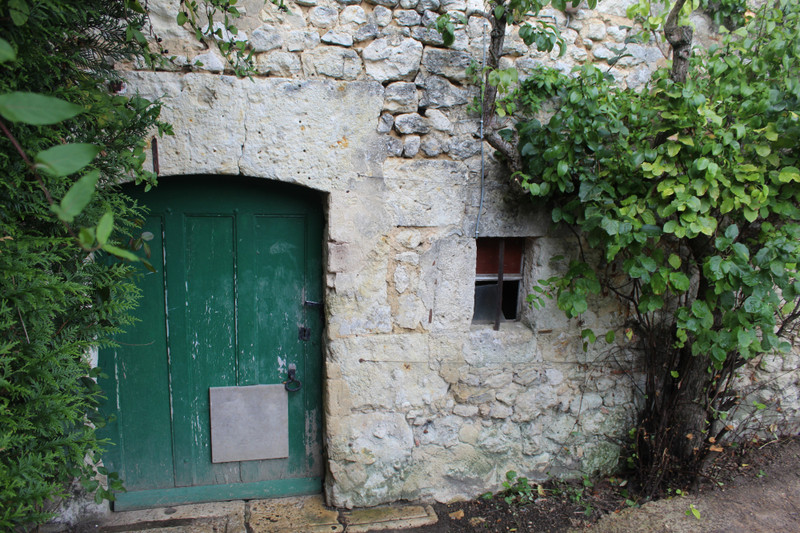 French property for sale in Mauves-sur-Huisne, Orne - €36,000 - photo 2