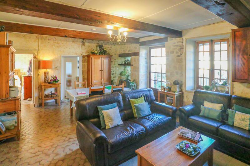 Maison à vendre à Brigueil-le-Chantre, Vienne - 79 899 € - photo 2