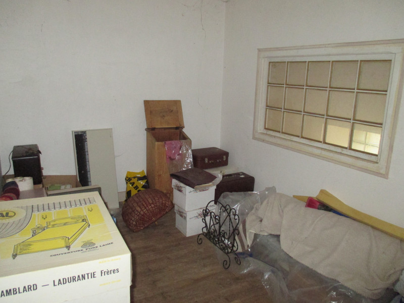 French property for sale in Vayres, Haute-Vienne - €71,600 - photo 10