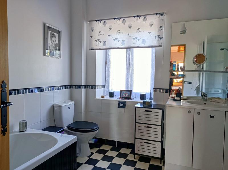 Maison à vendre à Thiat, Haute-Vienne - 249 950 € - photo 10