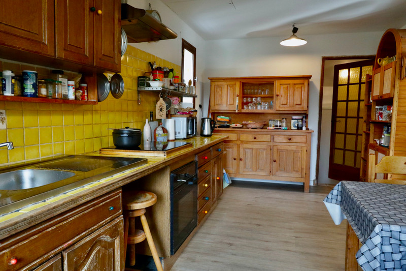French property for sale in Pierrevert, Alpes-de-Hautes-Provence - €369,900 - photo 7