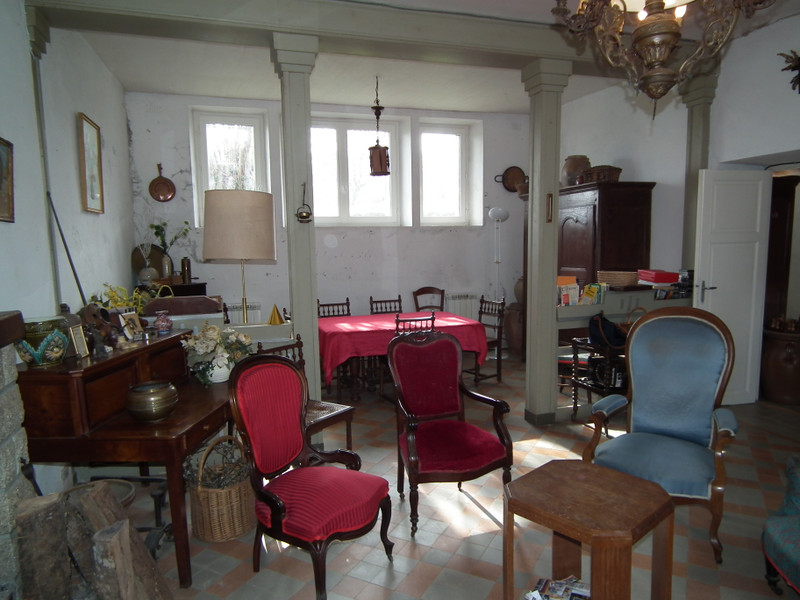 French property for sale in Auzances, Creuse - €99,000 - photo 7
