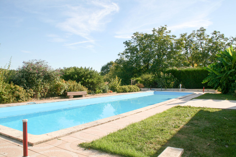 French property for sale in Saint-Jory-de-Chalais, Dordogne - €235,400 - photo 4