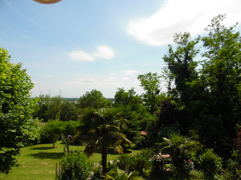 French property for sale in Bourg, Gironde - €324,360 - photo 9