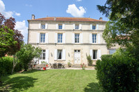 French property, houses and homes for sale in Dampierre-sur-Boutonne Charente-Maritime Poitou_Charentes