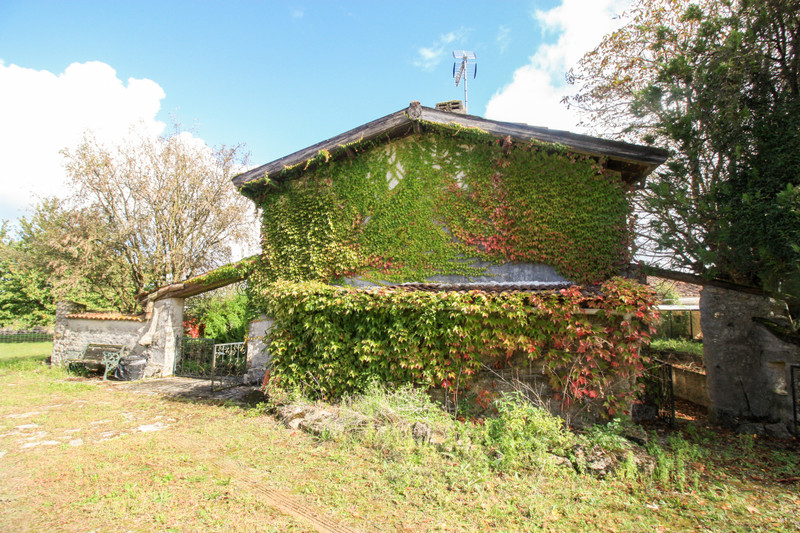French property for sale in Lozay, Charente-Maritime - €214,000 - photo 10