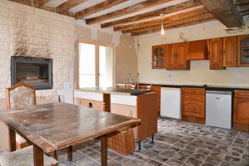 French property for sale in Bouillé-Loretz, Deux-Sèvres - €123,170 - photo 2