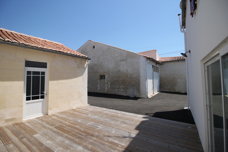 French property for sale in Varaize, Charente-Maritime - €310,300 - photo 9