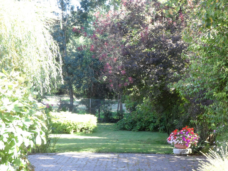 French property for sale in GRAVES, Charente - €399,000 - photo 5