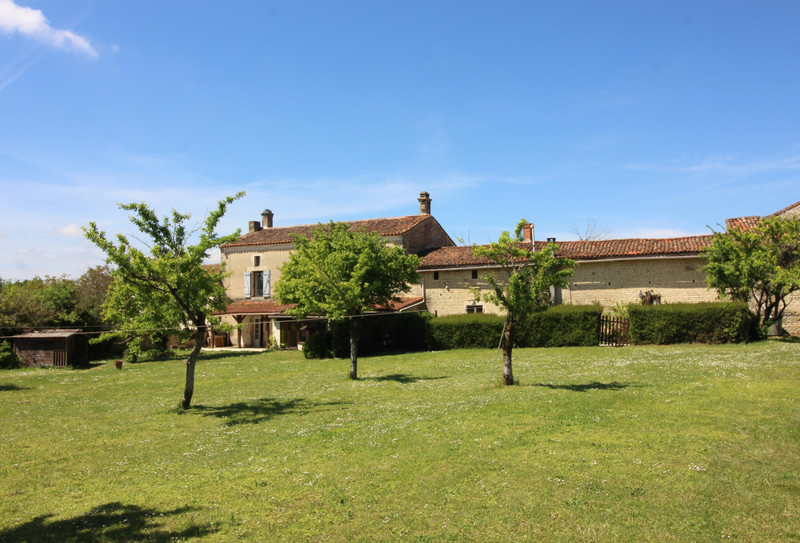 French property for sale in Charmé, Charente - €381,600 - photo 2