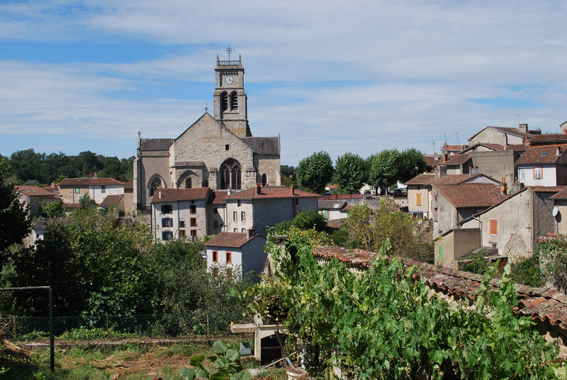 French property for sale in Bellac, Haute-Vienne - €88,000 - photo 2