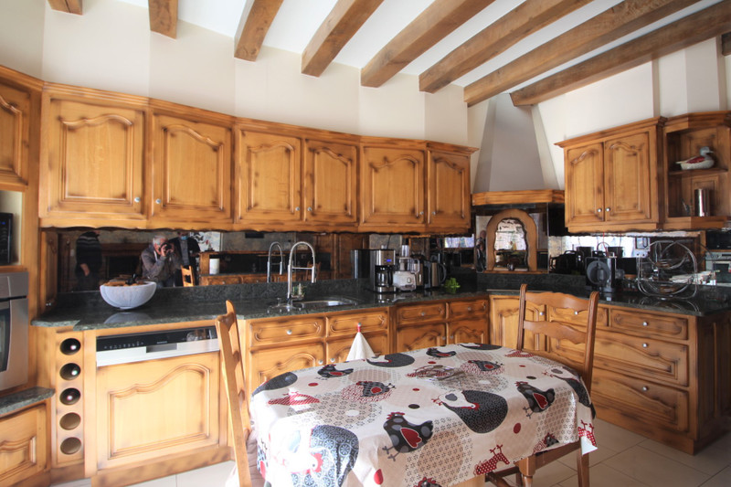 French property for sale in La Selle-Craonnaise, Mayenne - €399,500 - photo 6