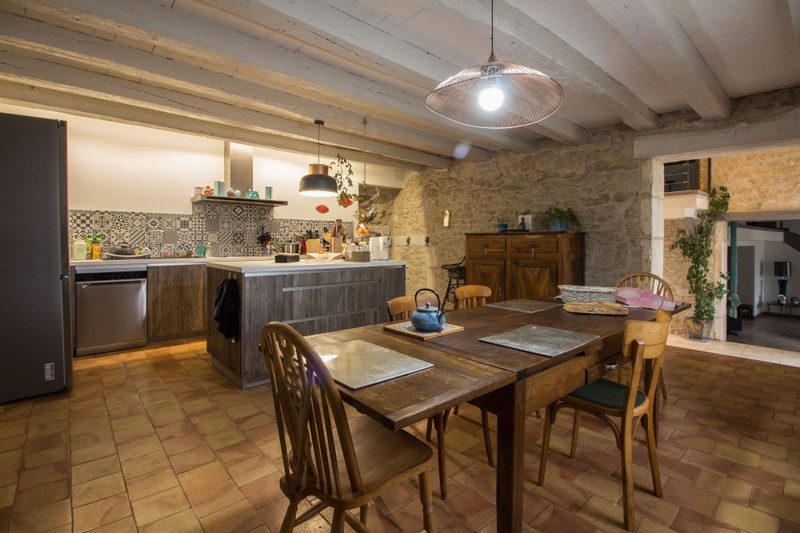 French property for sale in Angoulême, Charente - €594,000 - photo 4