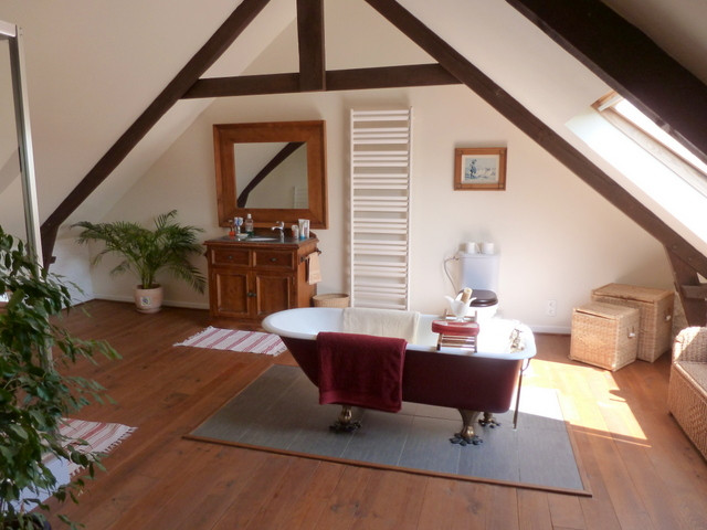 French property for sale in Glomel, Cotes d Armor - €310,300 - photo 5