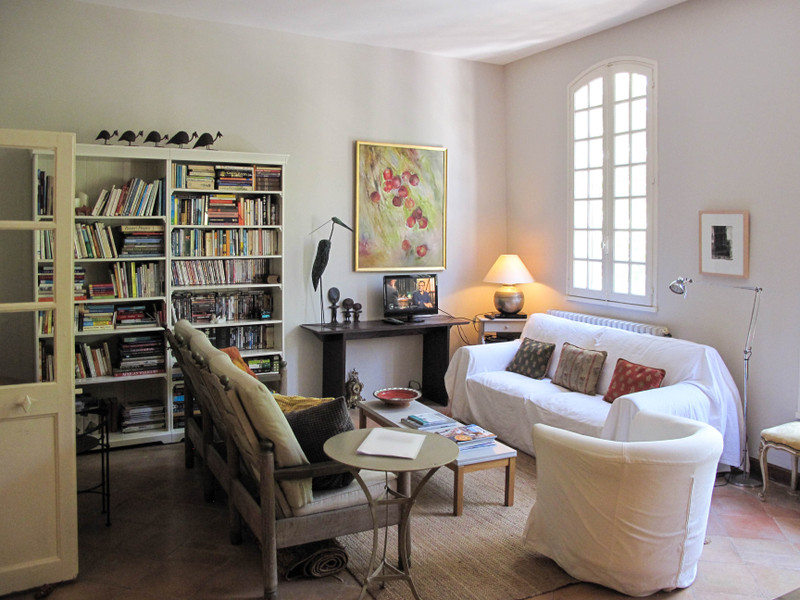 French property for sale in Uzès, Gard - €367,000 - photo 2