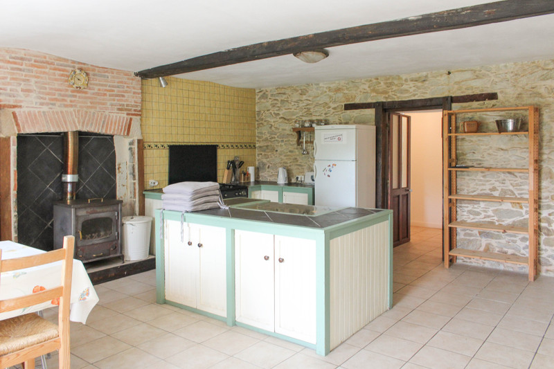 French property for sale in La Chapelle-Thireuil, Deux Sevres - €189,999 - photo 2