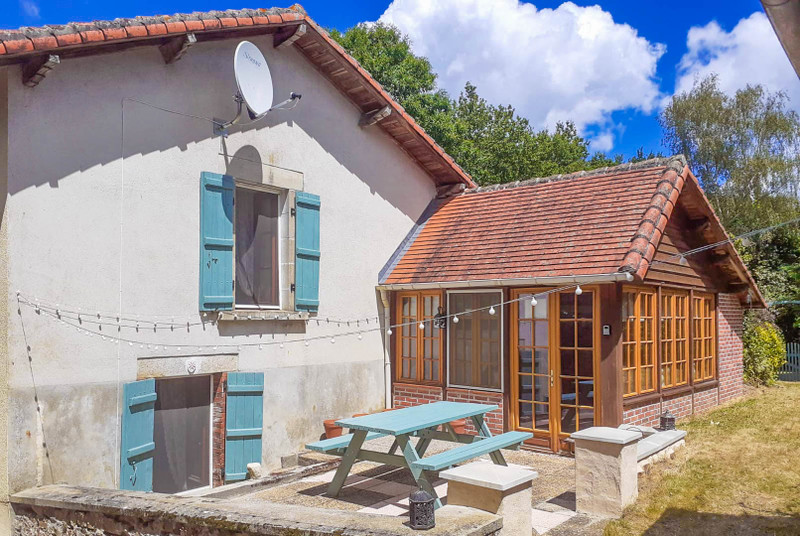 French property for sale in Saint-Christophe, Charente - €134,999 - photo 2