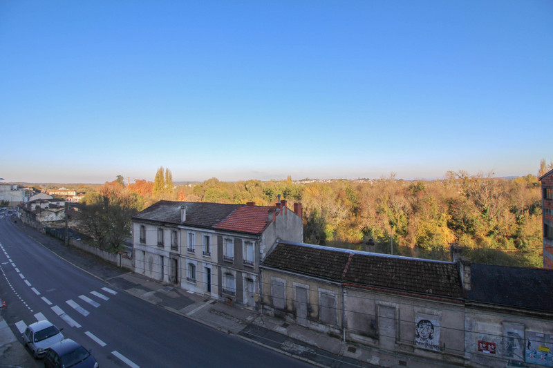 French property for sale in Angoulême, Charente - €106,000 - photo 2