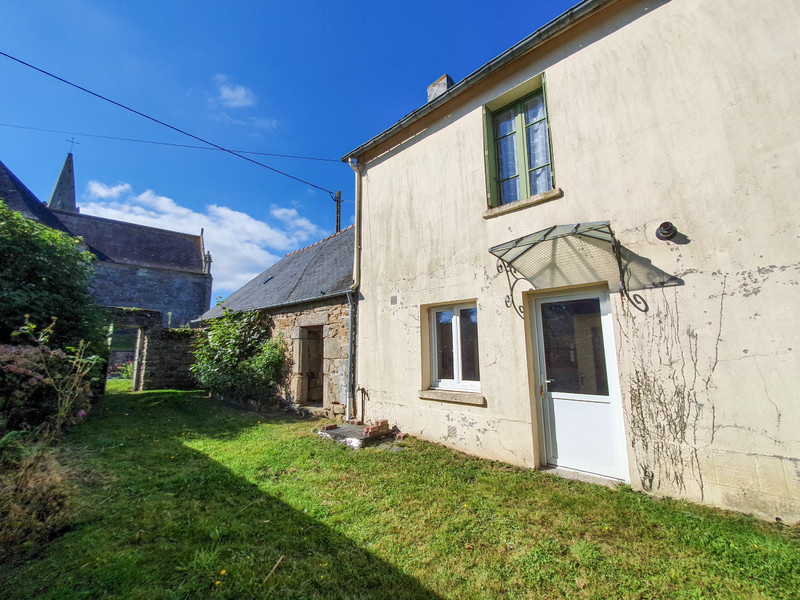 French property for sale in Rostrenen, Côtes-d'Armor - €56,600 - photo 3