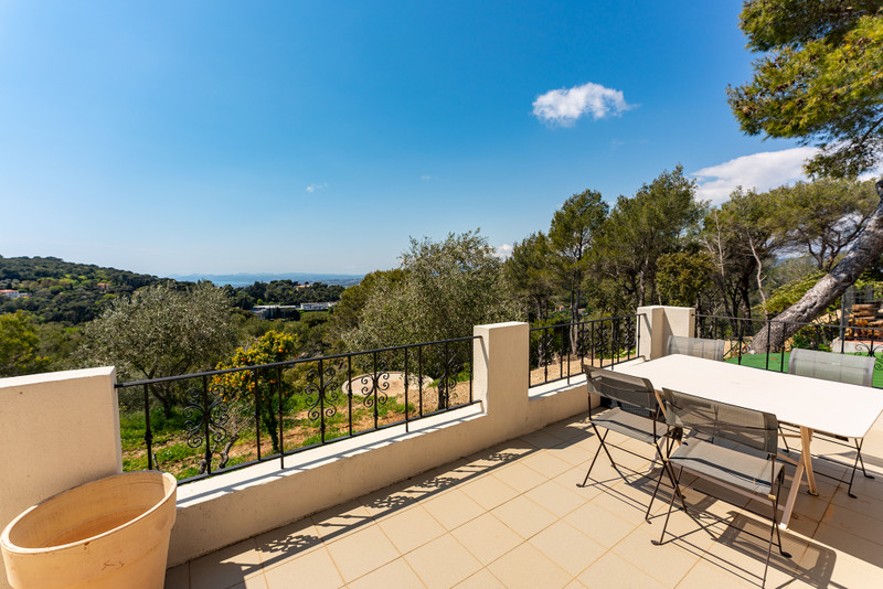 French property for sale in Nice, Alpes-Maritimes - €985,000 - photo 2