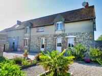 Maison env 180m², 4 chambres, grande terrasse, jardin de 900m² et champ attenant
