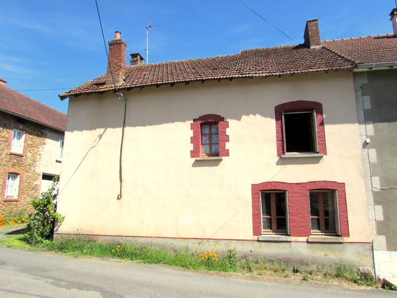 French property for sale in Saint-Maurice-la-Souterraine, Creuse - €66,600 - photo 2
