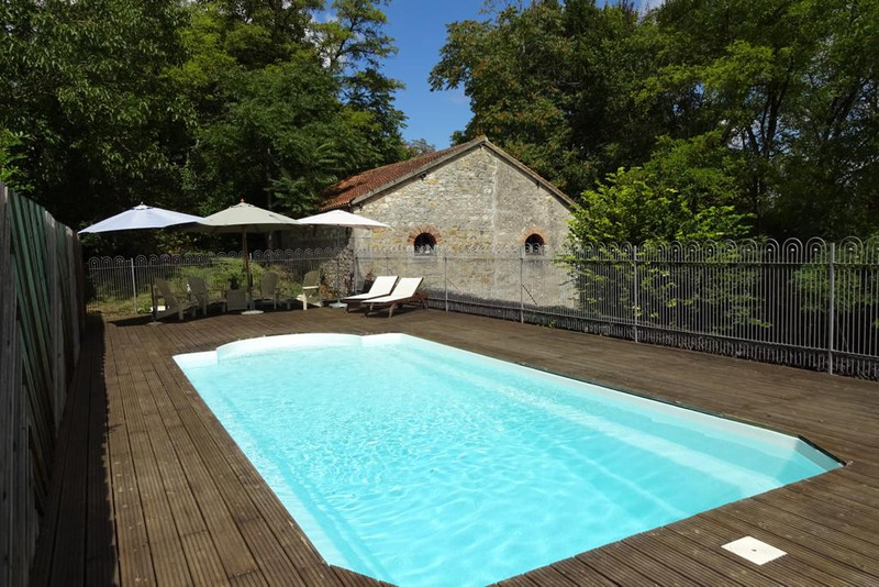French property for sale in La Trimouille, Vienne - €278,200 - photo 2