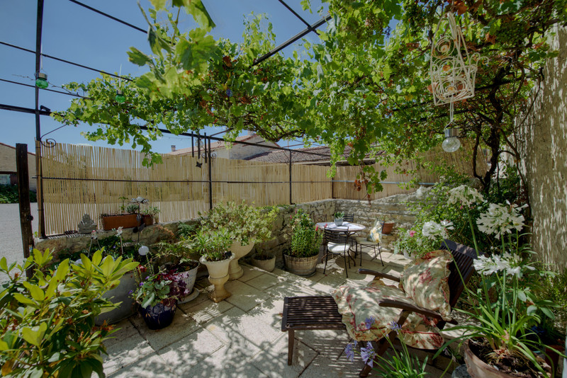 French property for sale in Néré, Charente-Maritime - €899,000 - photo 5