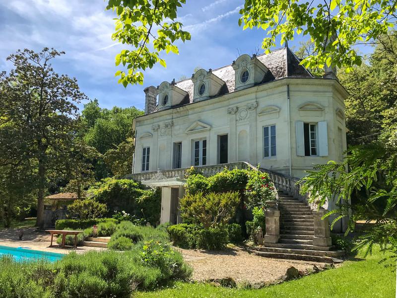 Chateau à vendre à Coutras, Gironde - 689 000 € - photo 2