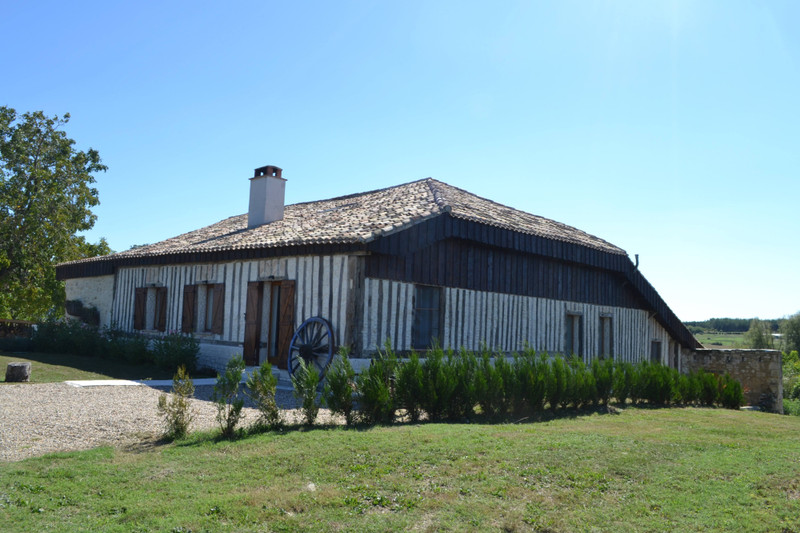 French property for sale in Lauzun, Lot et Garonne - €399,995 - photo 2